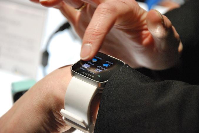 CES: Taki zegarek od Sony będzie marzeniem każdego posiadacza smartfona z Androidem