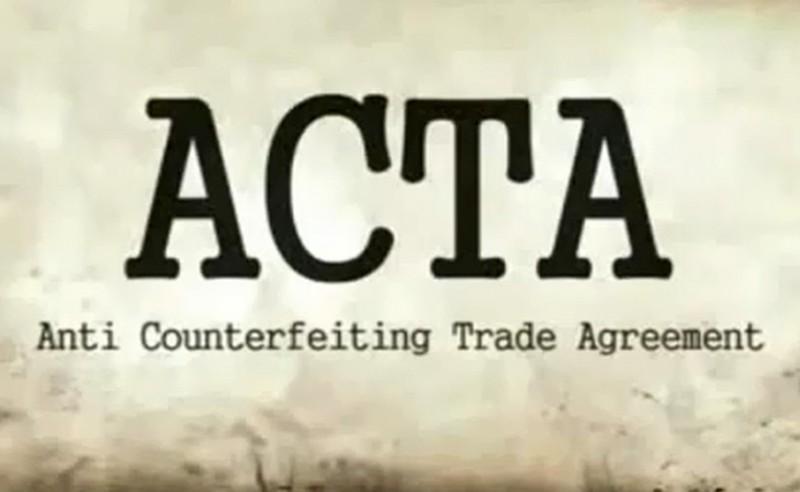 """Eurodeputowany nazywa prace nad ACTA """"maskaradą"""" i rezygnuje ze stanowiska"""