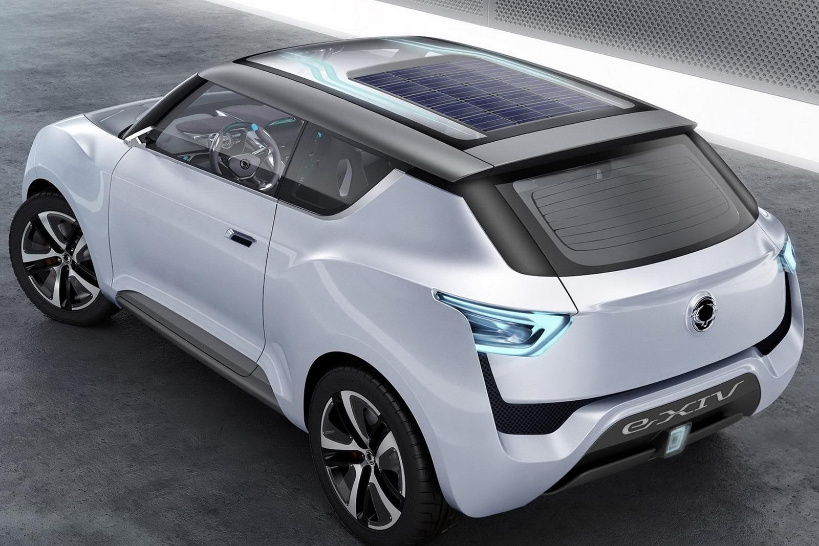Przyszłość motoryzacji wprost z Paryża! Czy takie samochody wkrótce będą jeździć po naszych ulicach?