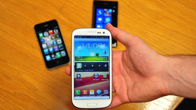 Rośnie dominacja Androida i Samsunga. Wciąż jednak szanse mają inni. Warunek – szybszy wzrost sprzedaży smartfonów