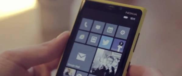 Bądź na bieżąco – integracja z serwisami społecznościowymi w Nokia Lumia 920