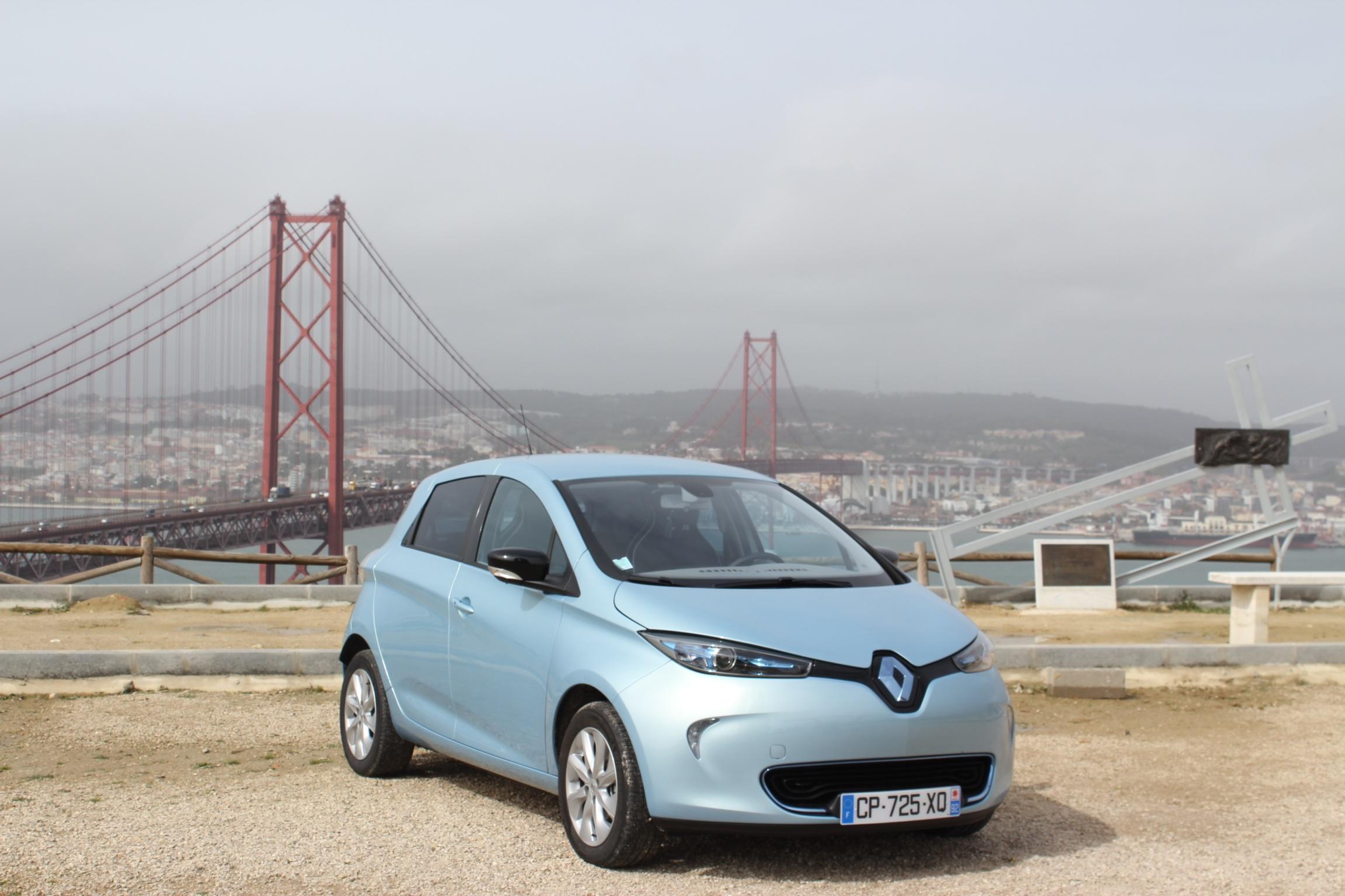 Kupowalibyśmy w Polsce elektryczne samochody, gdyby nie jeden mały szczegół