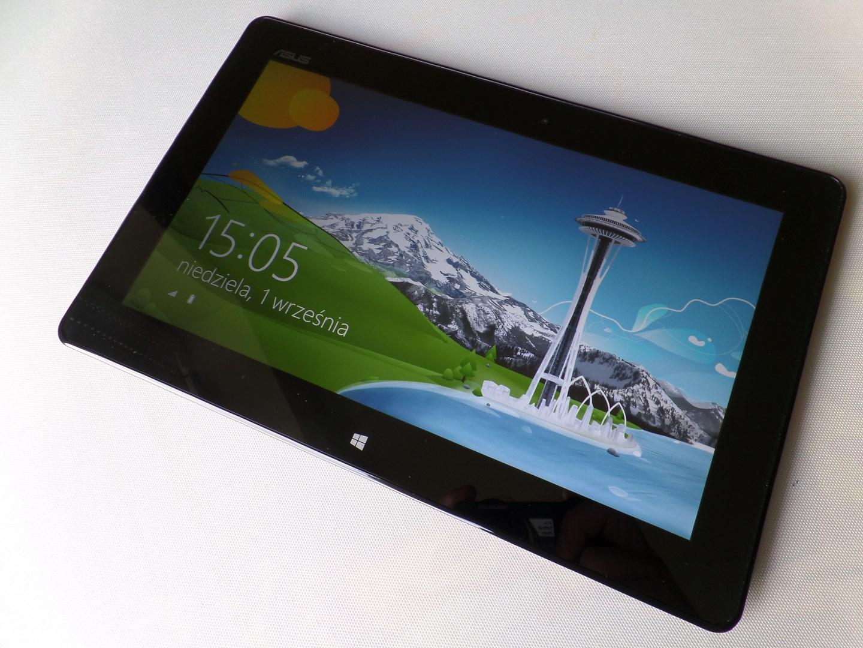 Czy Windows 8 bez kafelków i budżetowy tablet mają sens? Sprawdzamy to na Asusie VivoTab Smart – recenzja Spider's Web