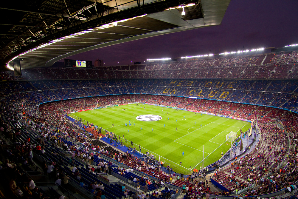 Jaki powinien być inteligentny stadion? Tak to robią na świecie, a tak to wygląda w Polsce