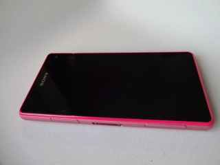 Sony Xperia Z1 Compact (2)