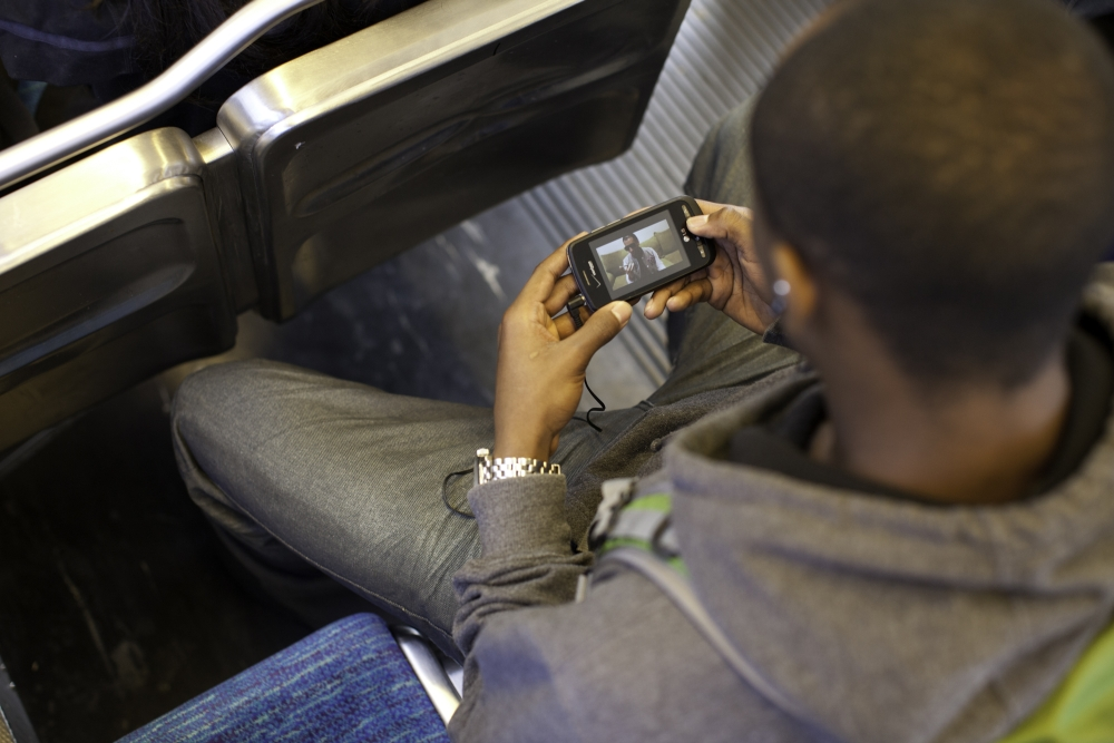 Operatorzy przypominają o zmianach w roamingu. Czego mogą spodziewać się klienci?