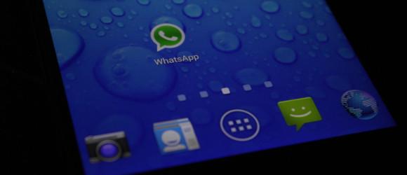 Halo, z WhatsAppa dzwonię! Rozmowy głosowe w nowym komunikatorze Facebooka już niebawem