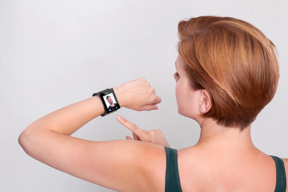 Zegarek niebawem zaciągnie Cię do sklepu, muzeum lub kawiarni. Oto nowa funkcja technologii haptycznej