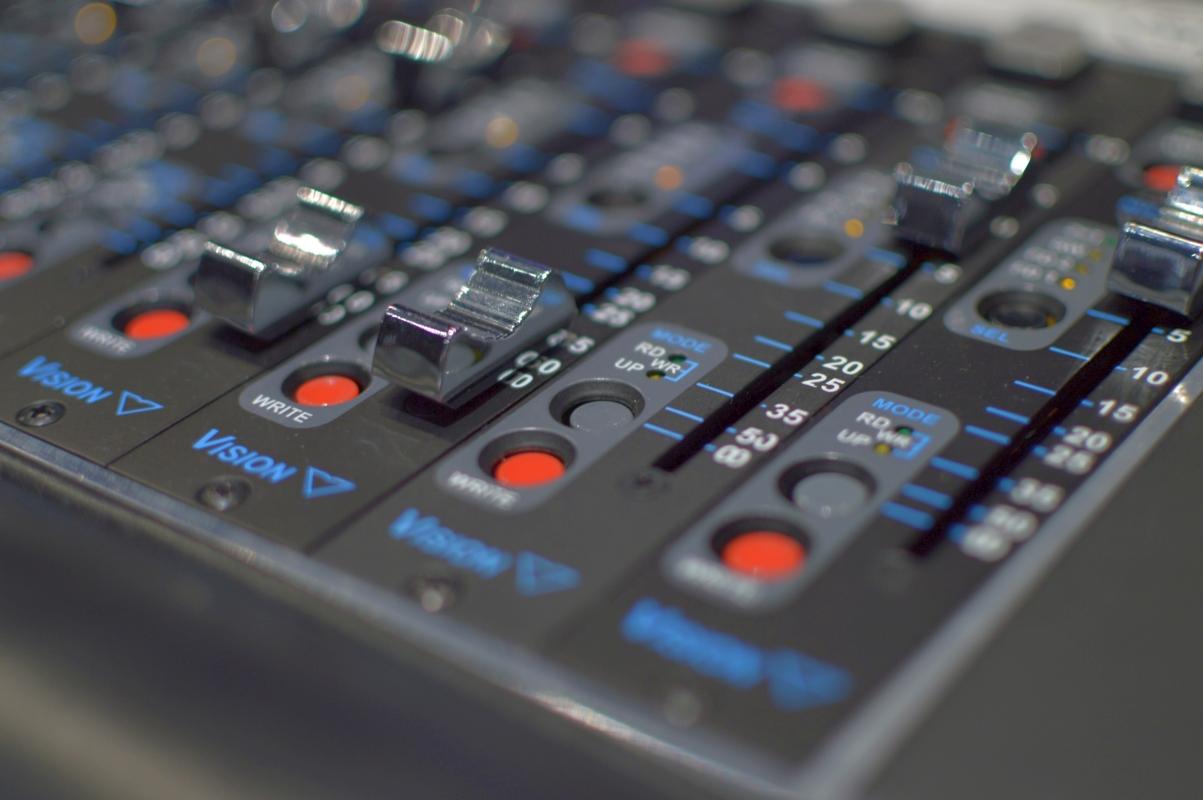 Czy da się przekonać głuchego, że jakość muzyki ma znaczenie? Sony spróbowało