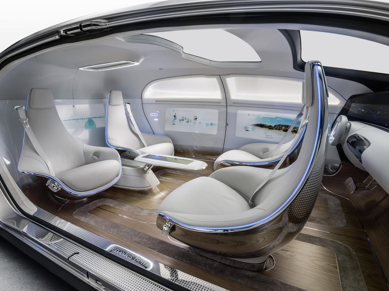 Co tam autonomiczny samochód Google'a. Mercedes pokazuje jak będą wyglądały i działały samochody przyszłości!