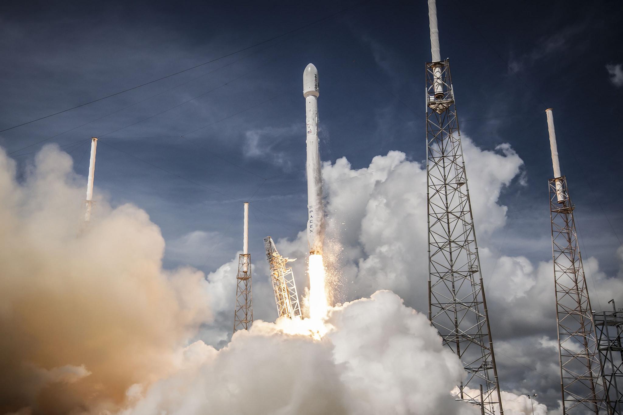 Wideo dnia: start rakiety Delta IV w 360 stopniach