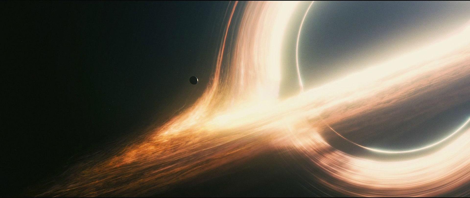 Co się stanie, jak zderzymy ze sobą dwie czarne dziury? I dlaczego powinno nas to interesować?