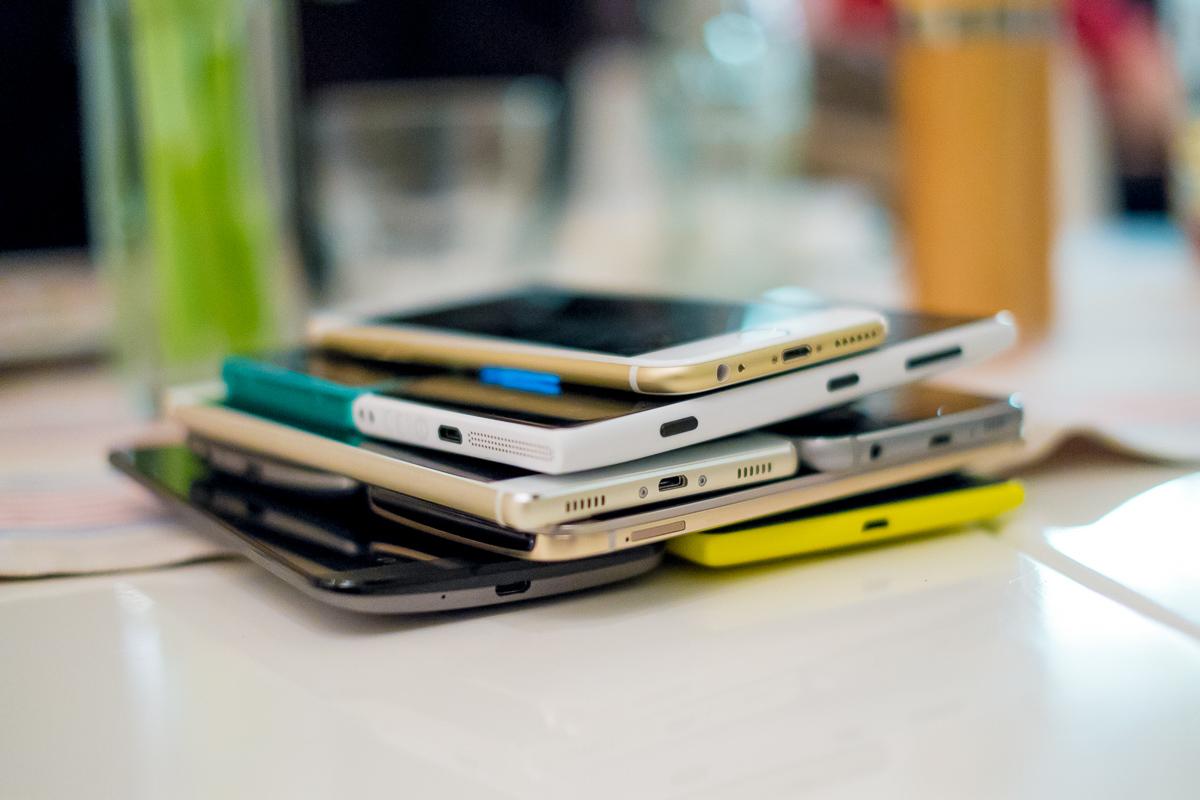 """Chiny mówią """"dość"""" preinstalowanym aplikacjom w telefonach"""