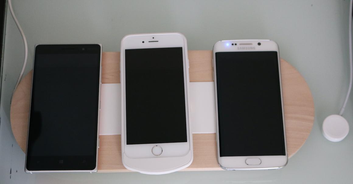 Jak jednocześnie bezprzewodowo ładować Samsunga Galaxy S6, Lumię 830 i – uwaga – iPhone'a 6? IKEA ma odpowiedź!