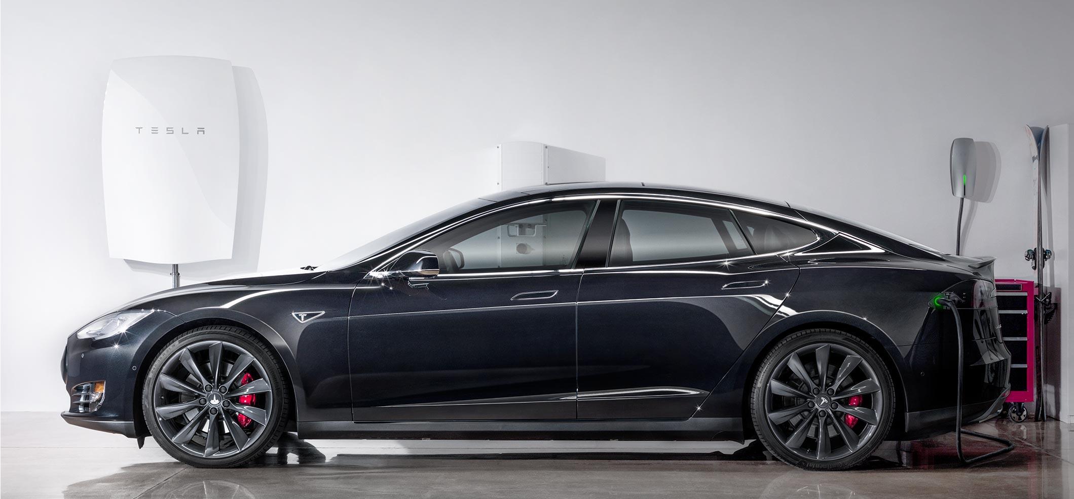 Na naszych oczach powstaje elektryczne imperium. Za sterami oczywiście Elon Musk
