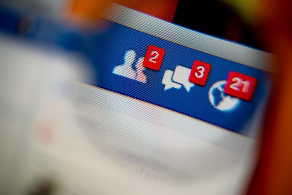Kiedy w końcu Facebook ogarnie synchronizację powiadomień?