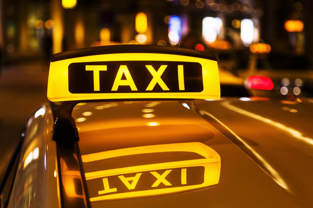 Chciałem pojechać taksówką z Modlina do domu. Taksówkarze przekonali mnie, żebym wybrał Ubera