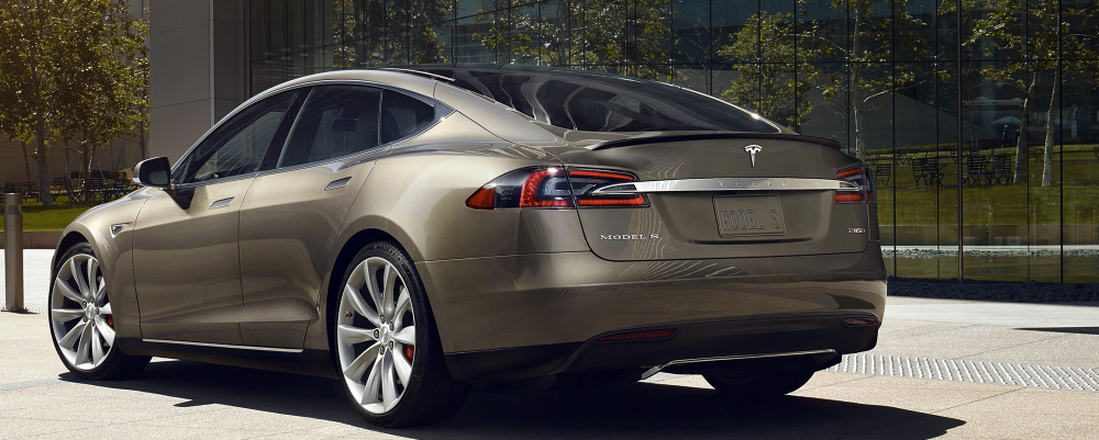 Nowa Tesla S i nowe podejście Muska do branży moto – poprzeczka została właśnie podniesiona