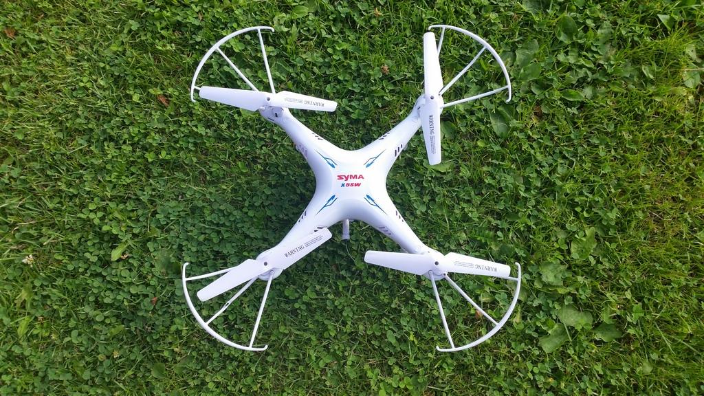 Syma X5SW – tani dron, który gwarantuje świetną zabawę