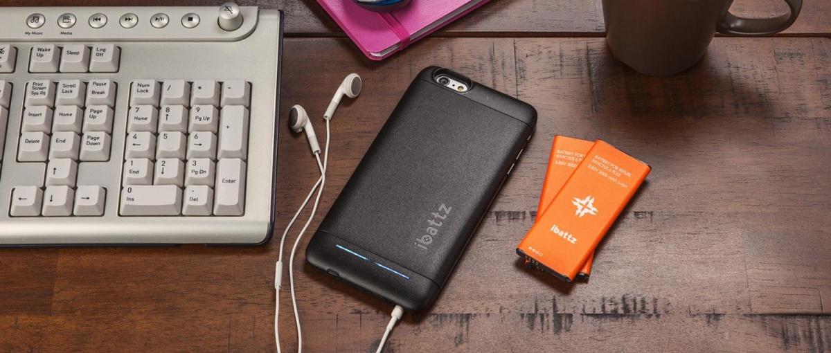 Wymienny akumulator w iPhonie 6 Plus? Z tym etui nawet dwa