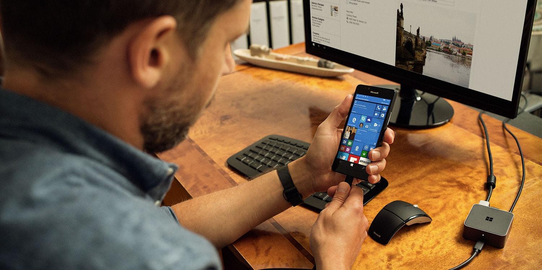 """Szok i niedowierzanie: """"Redstone 2"""" dla Windows 10 to nowości również dla telefonów"""