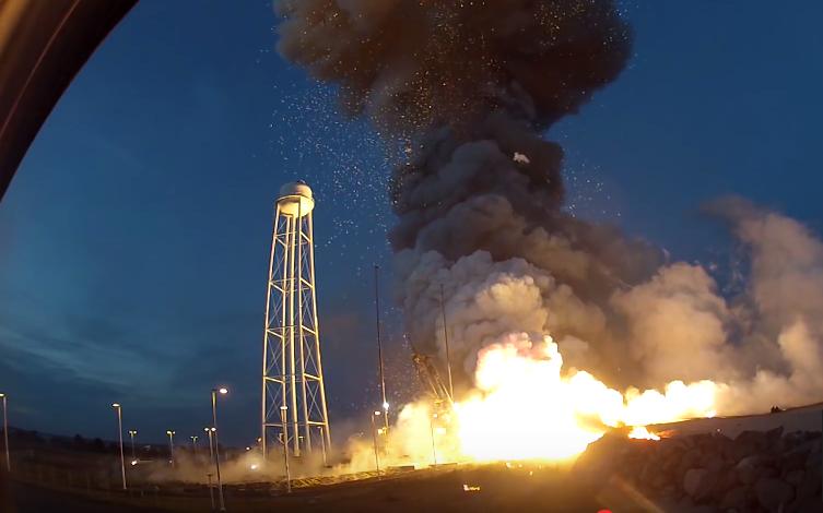 Kilka niesamowitych wybuchów rakiet i jeden, który przytłacza i wzbudza szacunek