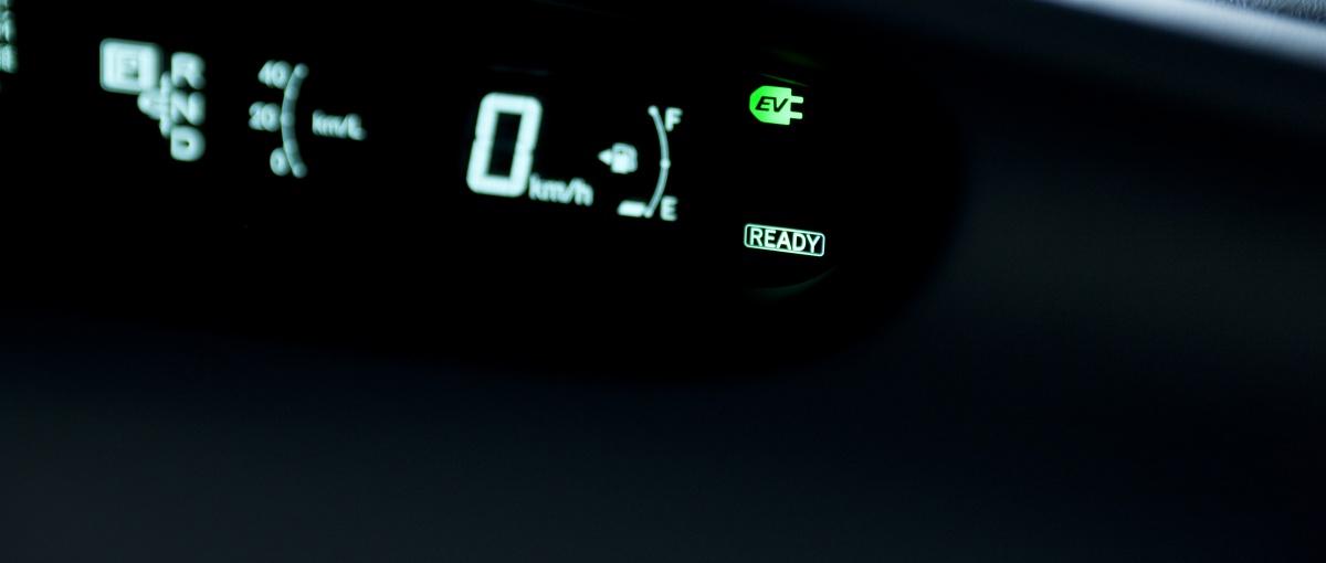 Przez tę technologię samochód z silnikiem spalinowym przestaje się opłacać. Oto jak działa napęd hybrydowy