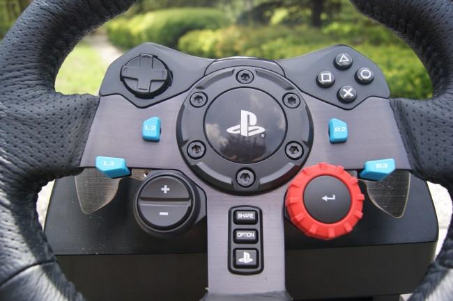 Logitech G29 Driving Force11