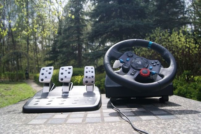 Logitech G29 Driving Force24