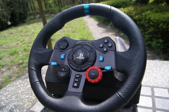 Logitech G29 Driving Force9