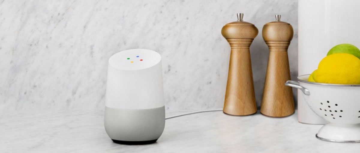 Dwa głośniki Google Home rozmawiają ze sobą zupełnie tak, jak ludzie po alkoholu