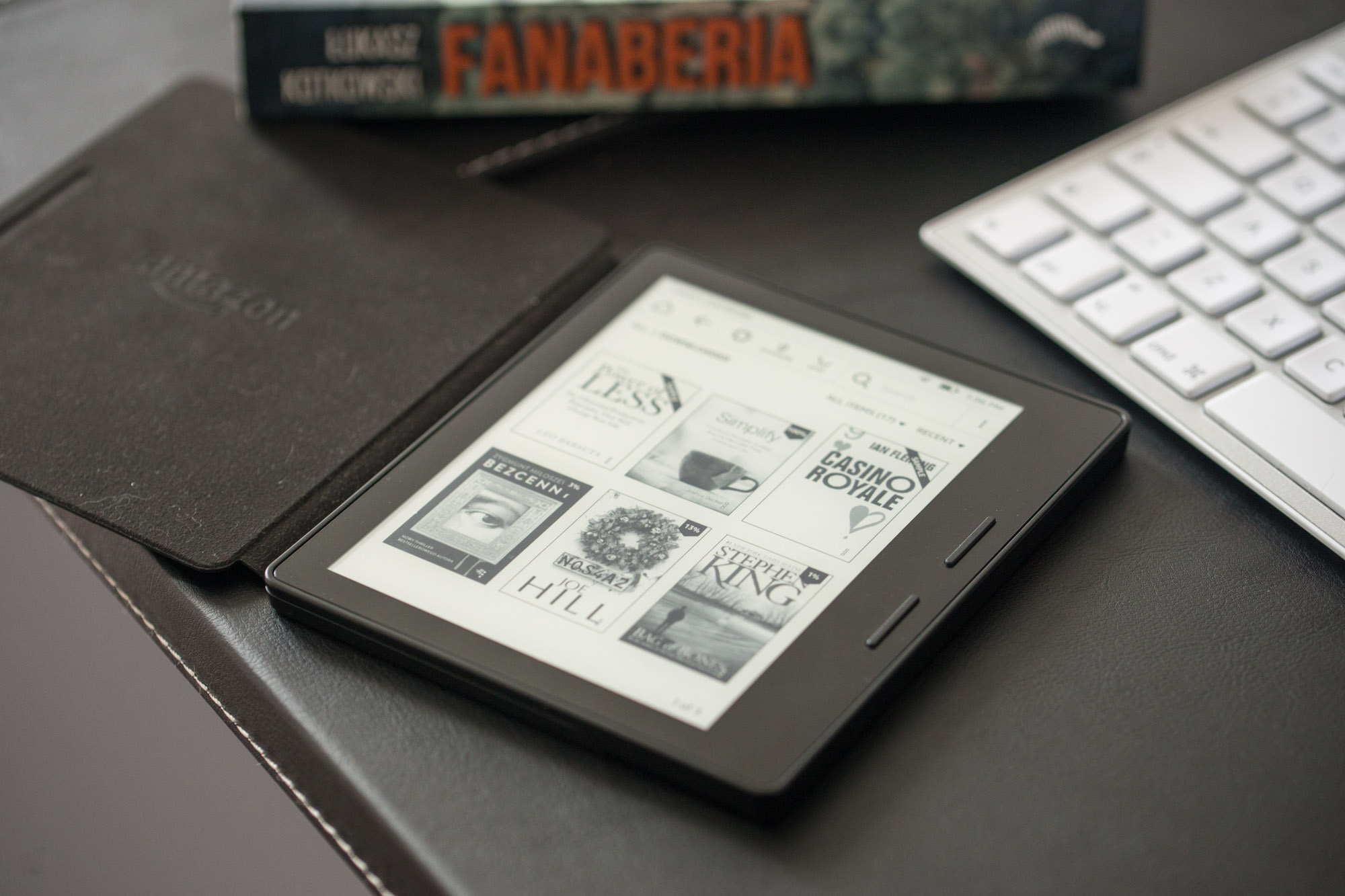 Tablets Compared: Kindle Oasis – Reviews Spider's Web