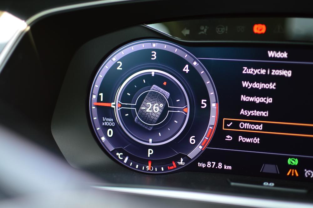 Active Info Display Czyli M 243 J Ulubiony Dodatek Do Auta