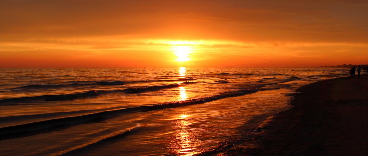 Ruszasz na wakacje nad morze? Sprawdź, który operator ma tam najlepszy internet
