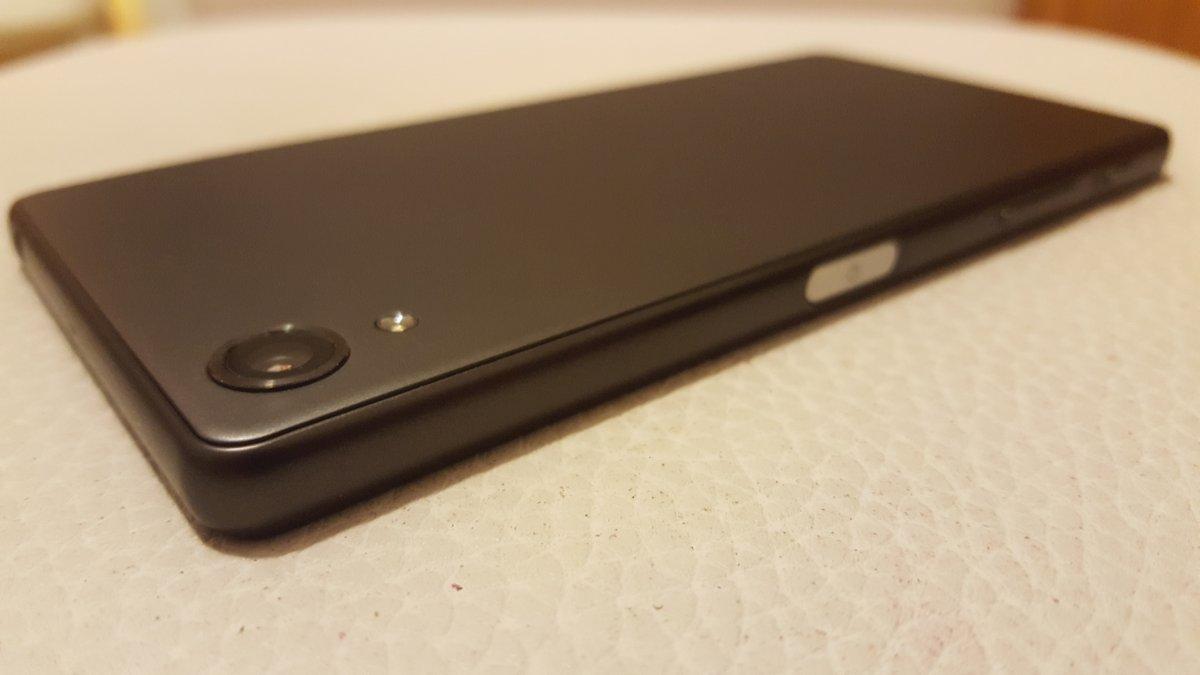 Sony Xperia X/