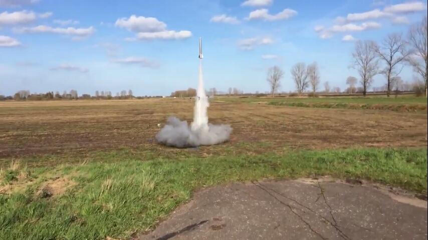 Rakieta, która sama wraca do bazy – brzmi jak amerykański program kosmiczny, a to polscy uczniowie
