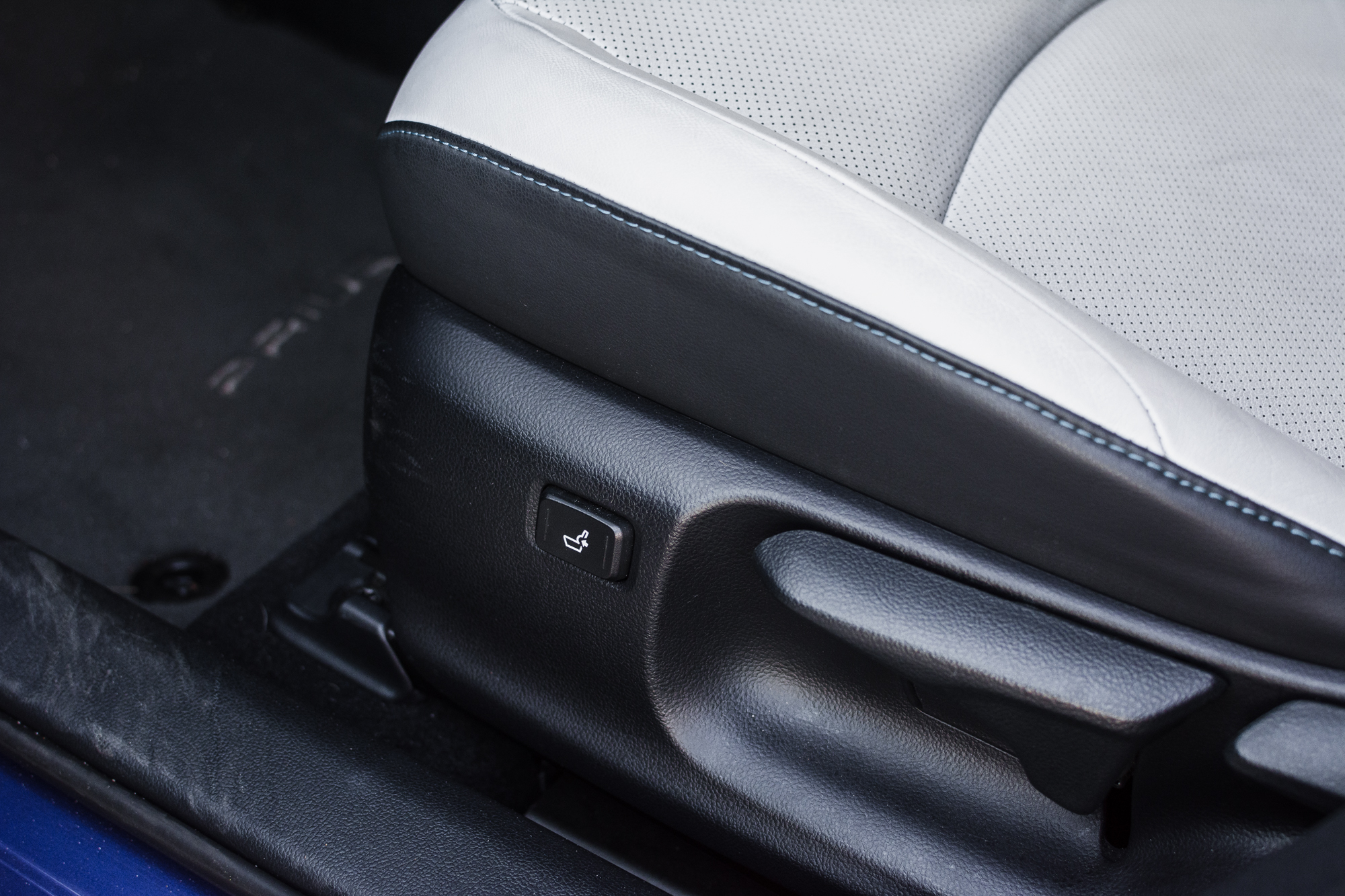 Toyota-Prius-srodek-19
