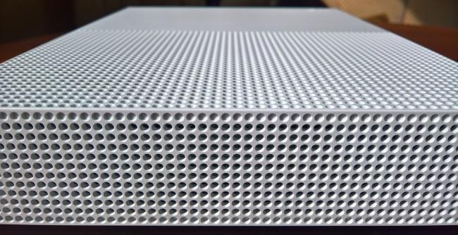 microsoft-xbox-one-s (5)