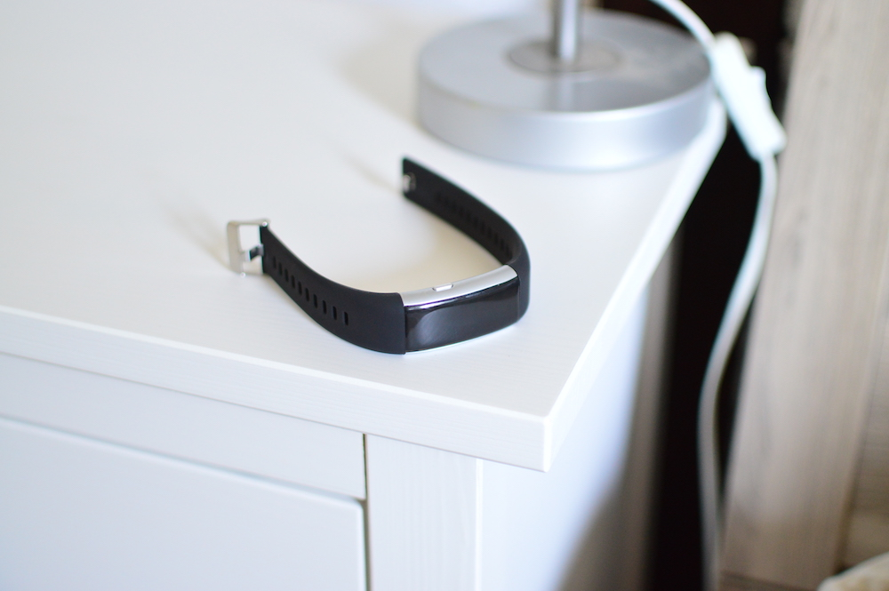Opaska z pulsometrem za grosze. ART Smart Fitness Elegant – recenzja Spider's Web