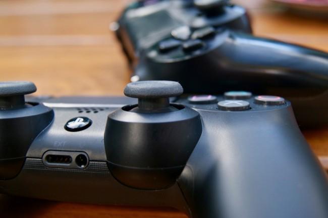 Guma na analogach w DualShocku 4 Slim ma być wytrzymalsza