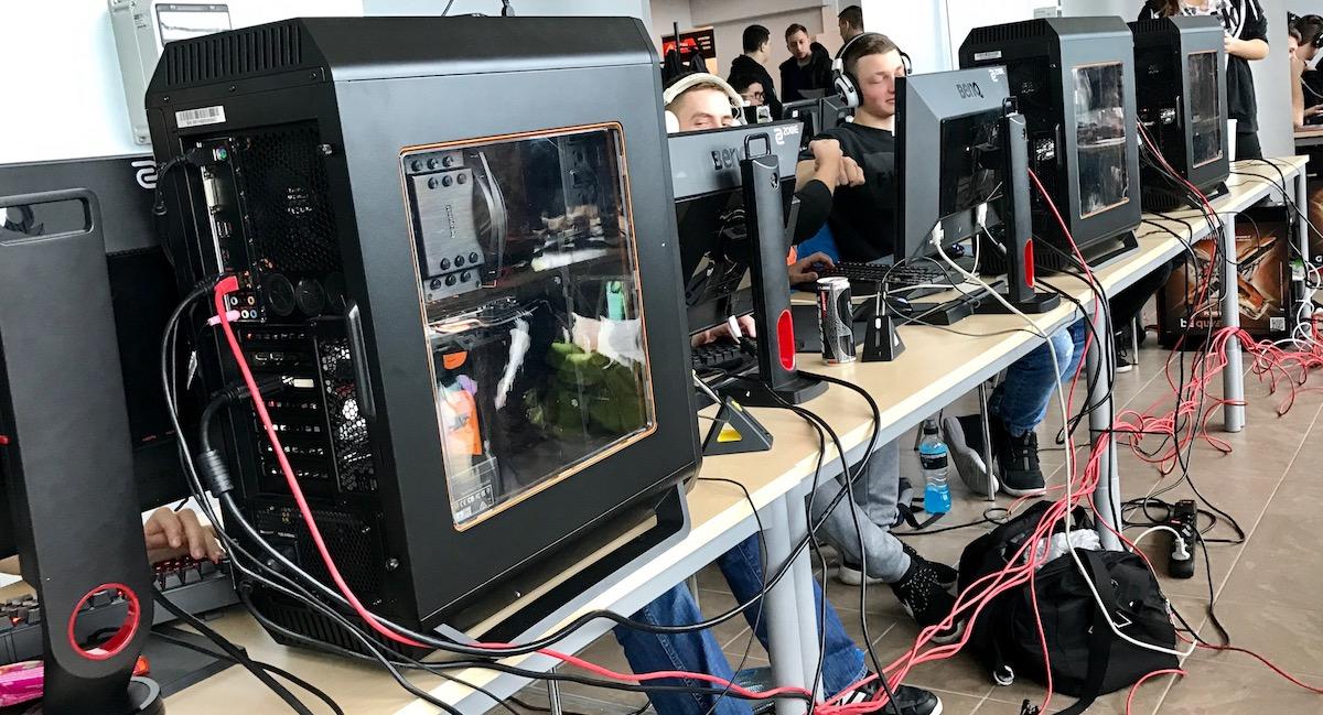 Na takich maszynach graliśmy w CS:GO podczas Turnieju Check-Point