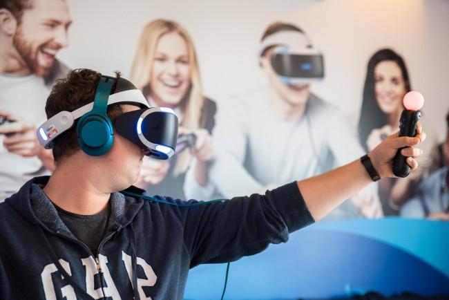 VR tanio a dobrze? Nie Sony, a Microsoft dostarczy takie rozwiązanie.