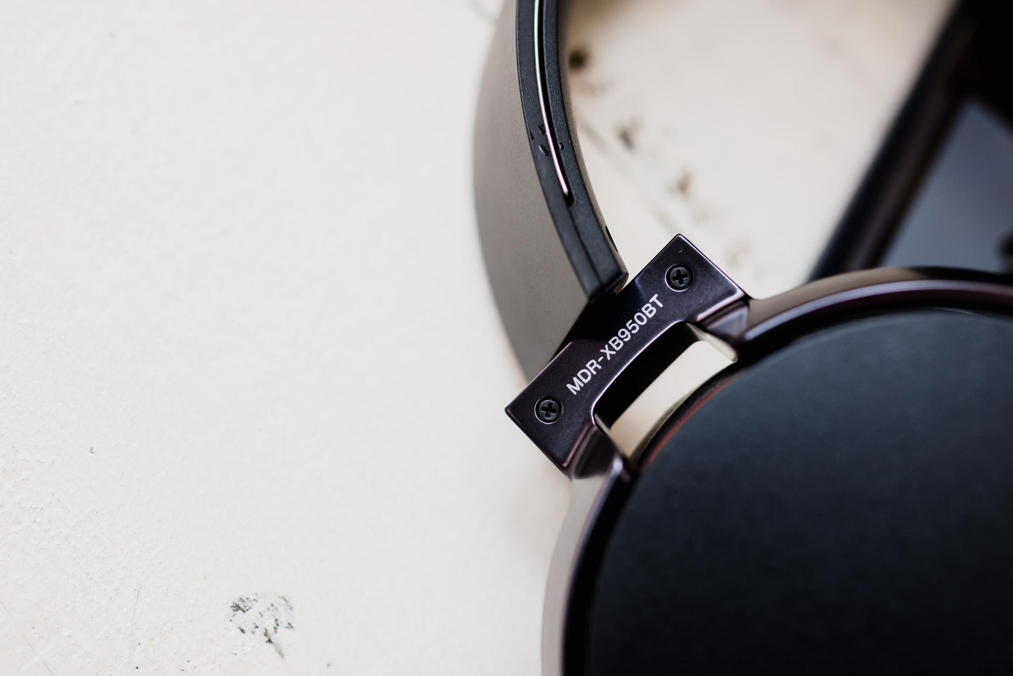 sony-xb950bt-extra-bass-11