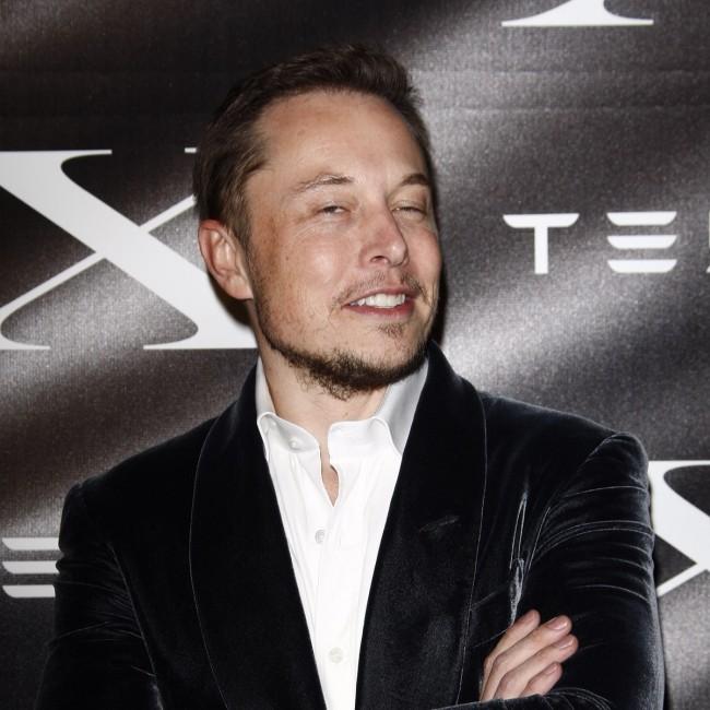 Elon Musk ostrzega przed sztuczną inteligencją.