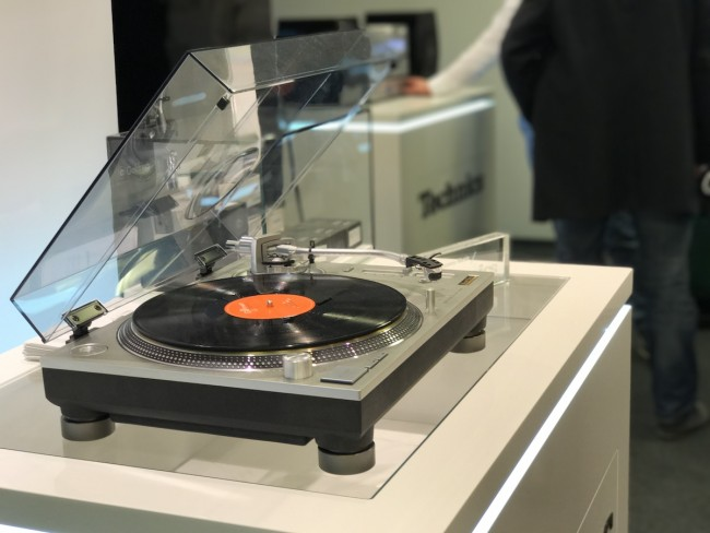 gramofony-winyle-audio-video-show-10