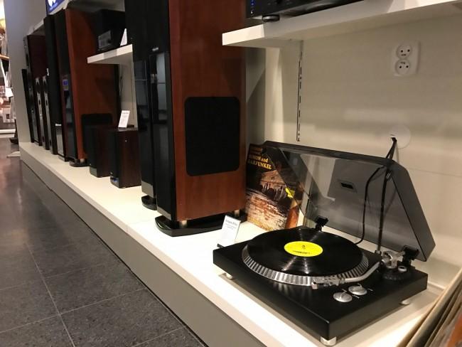 Gramofony i winyle na Audio Video Show 2016