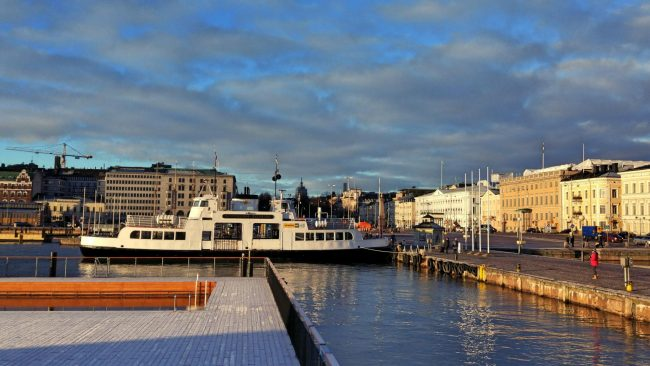 Na wybrzeżem w Helsinkach (nawet grudniu zdarza się tam takie Słońce).