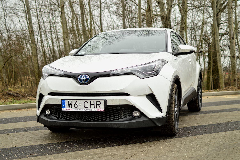 Toyota C-HR i wojna GIF-ów: 9 razy tak, 4 razy nie