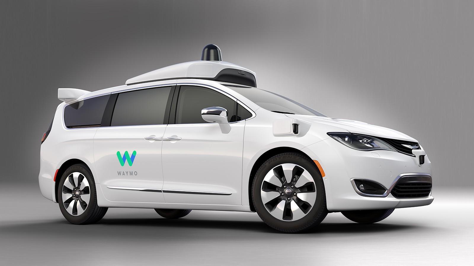 Imponujące tempo. Samochody Google'a już prawie nie potrzebują kierowców