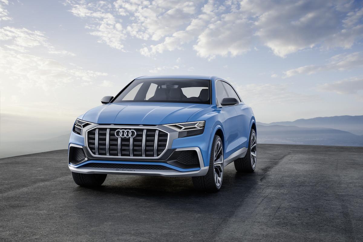 Co może mieć pod maską gigantyczny SUV od Audi? To jasne – hybrydę